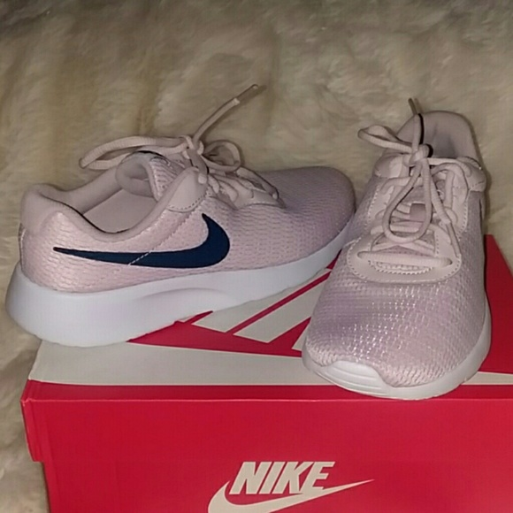dab99d6d07a SOLD SOLD SOLD SOLDNike TANJUN Rose Sneakers 4.5Y. NWT. Nike